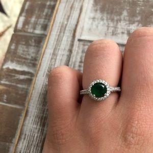 Jewelry - ✨2/$30✨Green gemstone ring